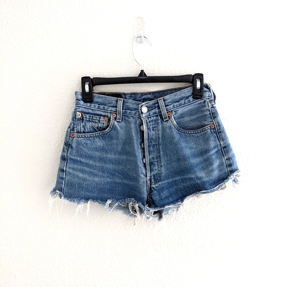 Vintage 501 Levi's Distressed Shorts Size 28W